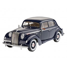 Revell Luxury Class Car Admiral Saloon