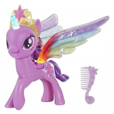 HASBRO My Little Pony Rainbow Wings Twilight Sparkle Pony Figure with Lights and Moving Wings