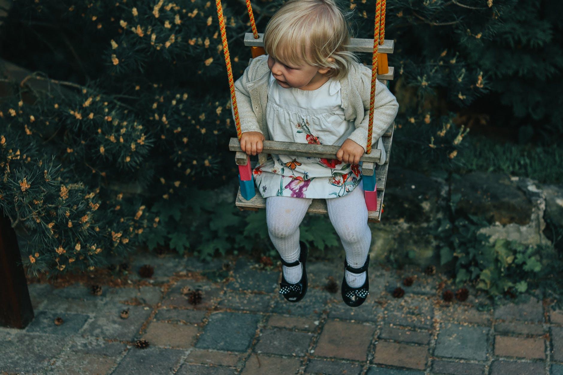Amenajarea spatiului de joacă în curte: sfaturi și idei
